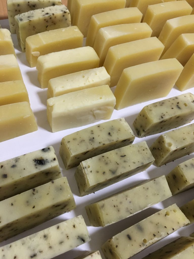 オリーブオイルの石鹸 製作